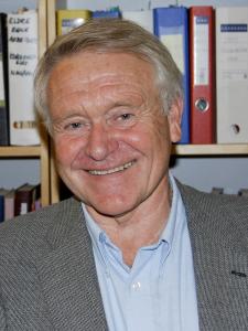 Dr. Michael Helge Ronnestad